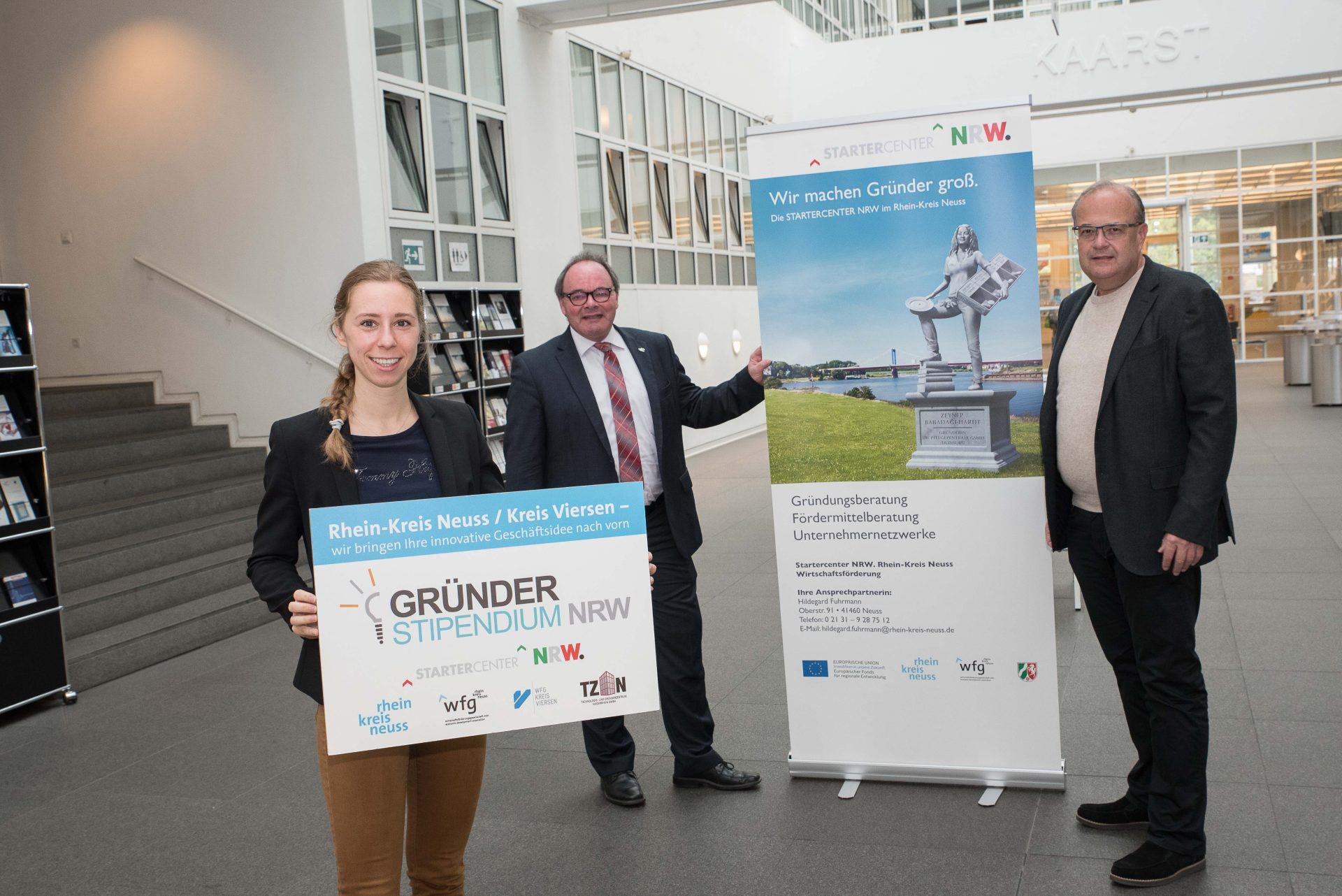 Johanna Mehring und Robert Abts vom Rhein-Kreis Neuss und Dr. Thomas Jablonski von der WFG Kreis Viersen